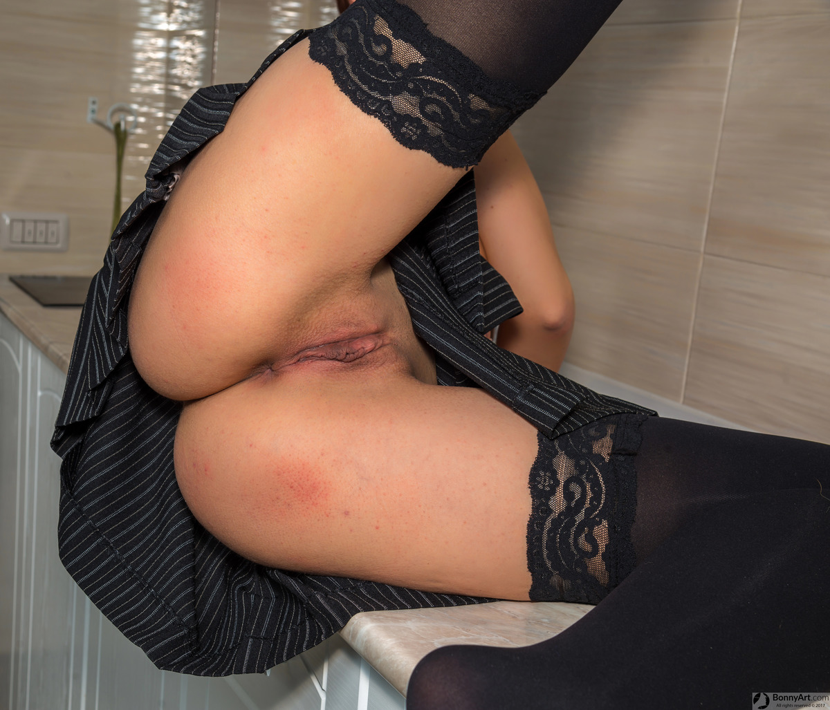Open Legs Upskirt Vulva in the Kitchen
