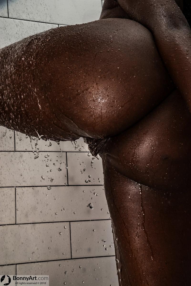 Wet Naked Dark Brown Fat Ass Big Black Pussy