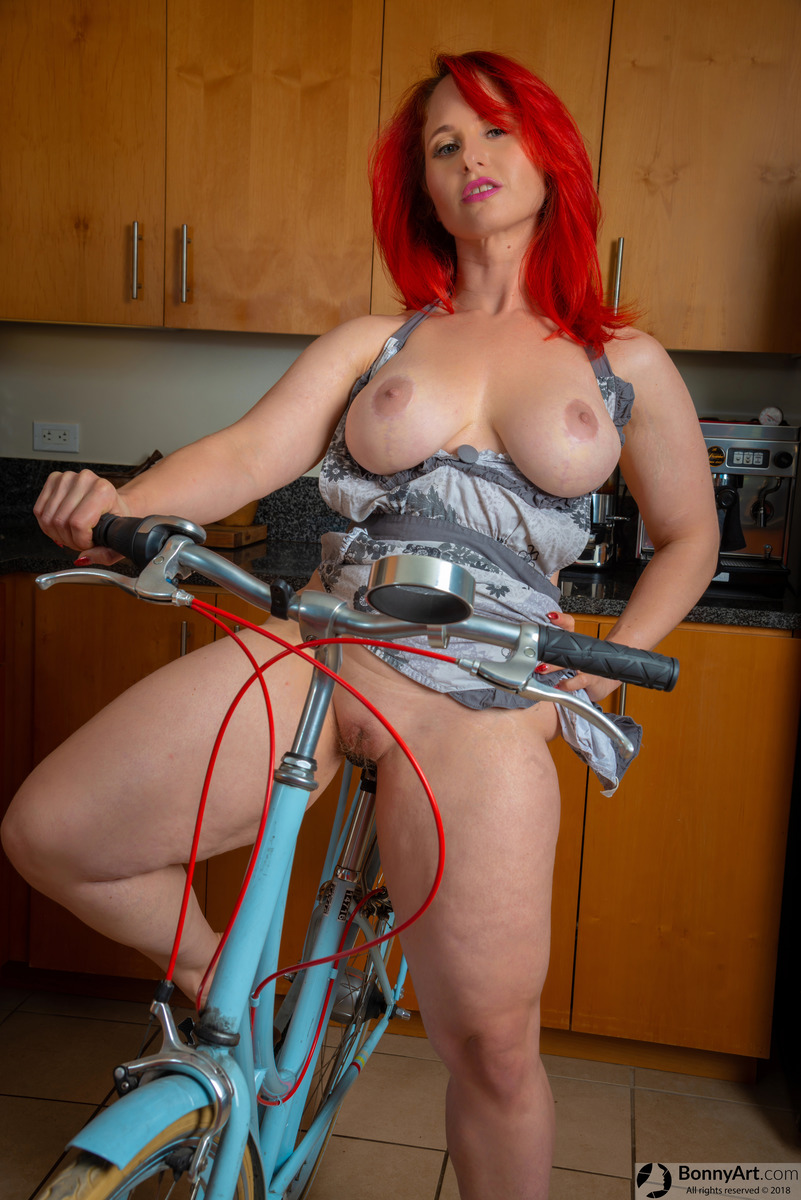 Sexy Housewife Naked Bike Riding Indoors