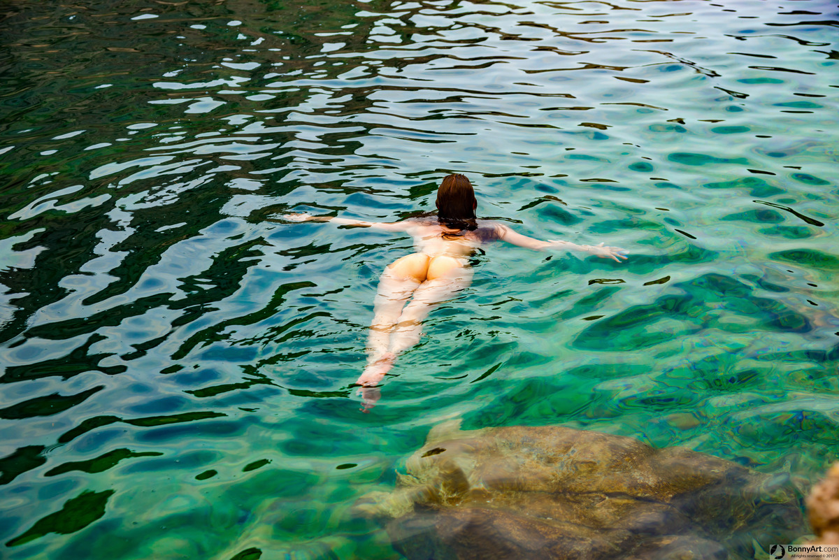 Bootylicious Nudist Tourist Girl Swimming Floating